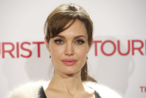 """Angelina Jolie On A Starving Diet: """"Weighs 93 Pounds!""""!! 