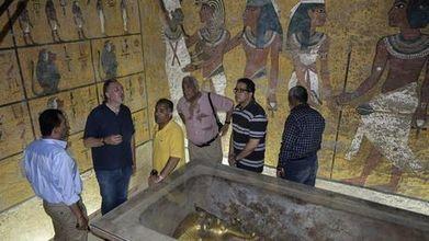 Los arqueólogos sacan las garras por los muros de la tumba de Tutankamón | Egiptología | Scoop.it