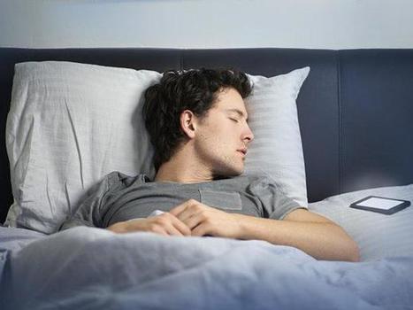 Por qué es malo dormir cerca del móvil   I didn't know it was impossible.. and I did it :-) - No sabia que era imposible.. y lo hice :-)   Scoop.it