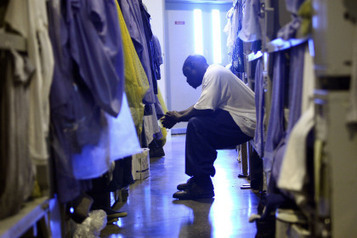 The Saggy Pants Don't Make The Man, The Prisons Do   mexican drug wars   Scoop.it