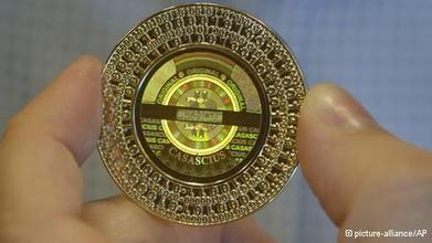 Germany lends real value to bitcoin virtual money | Business | DW.DE | 22.08.2013 | Collected Economics | Scoop.it