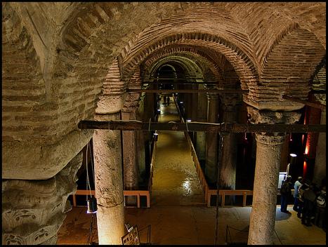 Basílica de la Cisterna   Yerebatan Sarayi   La Arquitectura Durante la Edad Media   Scoop.it