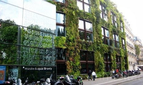On Rooftops of Paris, Expect Green Roofs and Solar Panels | URBANmedias | Scoop.it