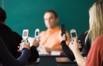 Amidst a Mobile Revolution in Schools, Will Old Teaching Tactics Prevail? | ADP Center for Teacher Preparation & Learning Technologies | Scoop.it