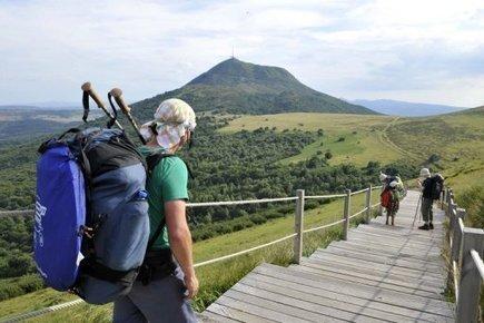 Balade sur les volcans d'Auvergne, alternative aux randonnées en montagne | Balades, randonnées, activités de pleine nature | Scoop.it