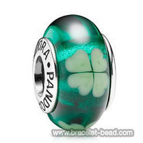 PANDORA Murano Glass Beads Green Clover w/ Sterling Core 790927 [PZ330] - $3.50 | Cute Pandora Charms on bracelet-bead.com | Scoop.it