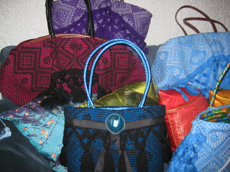 La versión mae accesorios de bolsas artesanales | accesorios, bolsas, zapatos, ropa, carteras, libretas....productos artesanales y asociados al aspecto holístico | Scoop.it