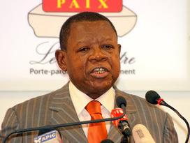 Lambert Mende : « Nous libérons les gens qui méritent d'être libérés » | Radio Okapi | CONGOPOSITIF | Scoop.it