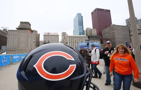 Bears Mascot Pulls Off Hilarious Prank on Fans :: Sports Alerts | Mascots | Scoop.it