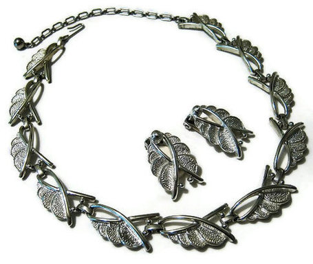 Silver Tone Vintage Sarah Coventry Necklace and Earring Set | Gorgeous Vintage I Crave! | Scoop.it
