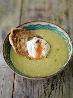 Creamy asparagus soup with a poached egg on toast | Jamie Oliver | Food | Jamie Oliver (UK) | Food Porn | Scoop.it