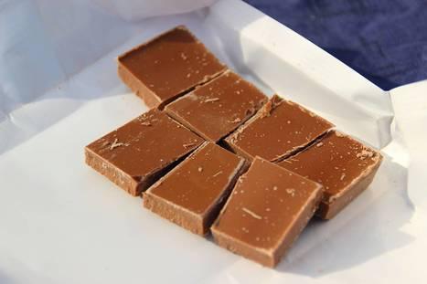 Trafic de chocolat à la bibliothèque : les étudiantes le cachaient dans des livres évidés | Archimag | Baboué ? | Scoop.it