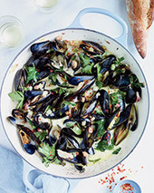 Mussels with Pancetta and Crème Fraîche Recipe - Jimmy Bannos Jr. | Food & Wine | À Catanada na Cozinha Magazine | Scoop.it