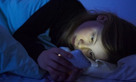 Why you should NEVER keep your mobile in your bedroom   Naturopathy   Scoop.it