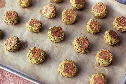 Baked Falafel Bites with Creamy Tahini Dressing – Gluten-free + Vegan   Vegan & Vegetarian   Scoop.it