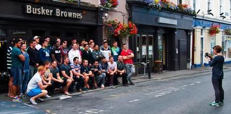 """Julia Dunin on Twitter: """"Me + 40 lads from @connachtrugby outside @buskerbrownes. Some challange to tame them, but I did it! http://t.co/O4gqtTD0qg""""   Feeds   Scoop.it"""