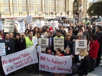 Interpreters demonstrate in London