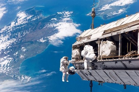 Twitter / marcuschown: New Zealand from Earth orbit ... | Interwebby goodness | Scoop.it