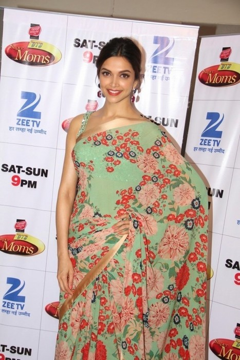 Deepika Padukone In Designer Blouse n Saree At Film Piku Promotions On The Sets Of Dance India Dance-Super Moms-IndianRamp.com, Actress, Bollywood, Indian Fashion | Indian Fashion Updates | Scoop.it