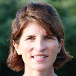 Social Good Stars: LinkedIn's Meg Garlinghouse | LinkedIn Marketing Strategy | Scoop.it