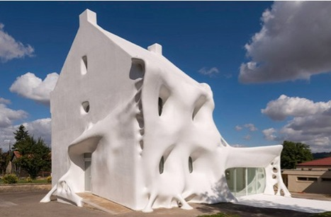 The Gue(ho)st House | World of Street & Outdoor Arts | Scoop.it