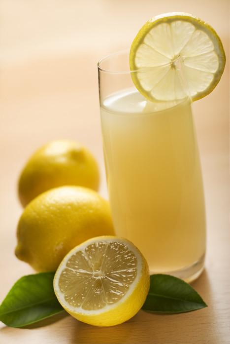 10 motivi per bere al mattino acqua tiepida e limone | FoodPress | Scoop.it