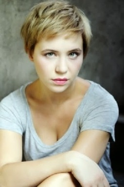 Celebrity Girls Photo Gallery: Hungarian film and television actress Julia Ubrankovics | cute girls picture | Scoop.it