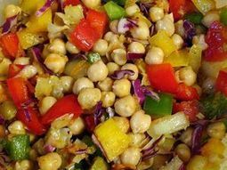 Red Pepper and Garbanzo Bean Salad - delicious food from Colombia   Recipes and Foods   Scoop.it