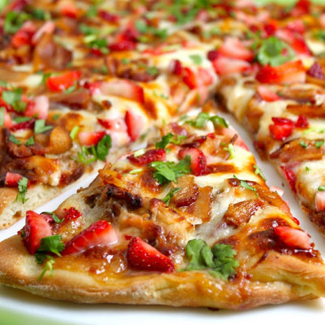#RECIPE - Strawberry Balsamic Pizza with Chicken, Sweet Onion and Applewood Bacon | recipes | Scoop.it