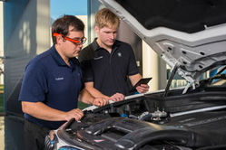 BMW expérimente les Google Glass pour effectuer des contrôles qualité en usine | SerenDeep | Scoop.it