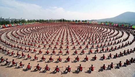 Extraordinary moment 10,000 kung fu students put on a perfectly-synchronised show   Unforgettable Days   Scoop.it