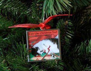Cat Christmas Ornament: Cats Like Christmas Too | Deborah Julian Art | Christmas Cat Ornaments and Cards | Scoop.it