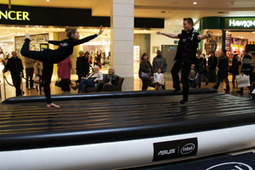 Shoppers try 'slacklining' with iD and ASUS | Experiential News! | Scoop.it