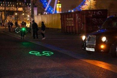 Le phare qui annonce aux voitures qu'un vélo arrive - Efficycle | sophie | Scoop.it