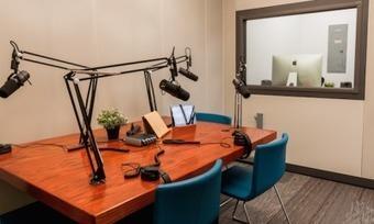 Inside Boston's new dedicated podcast recording facility | SportonRadio | Scoop.it