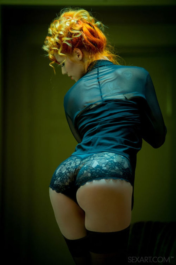 Redhead In Black Lingerie & Stockings | Lingerie Love | Scoop.it