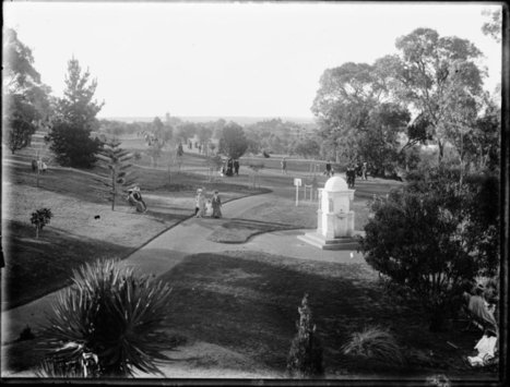 013908PD: Kings Park, ca. 1910. The Leake Memorial Fountain foreground right :: slwa_b2948219_1 | Kings Park History | Scoop.it
