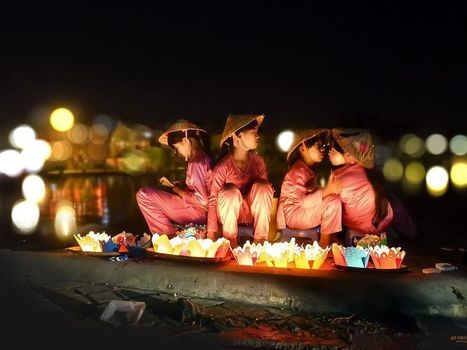 Floating Candles Image, Vietnam - National Geographic Photo of the Day | Fotografía hoy | Scoop.it