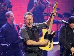 The Boss plays a note of caution on economic sway - KLKN-TV | Bruce Springsteen | Scoop.it