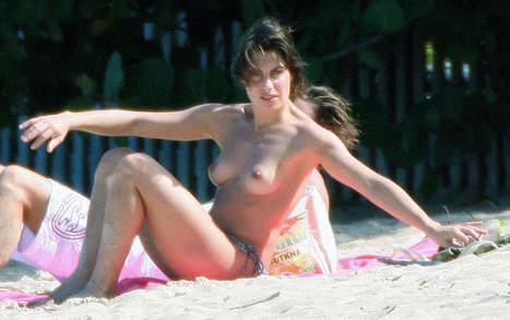 Photos : Alessandra Sublet seins nus à la plage | Radio Planète-Eléa | Scoop.it