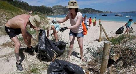 A Cíes le pasan el rastrillo - Faro de Vigo | Contaminación en Oceanos | Scoop.it