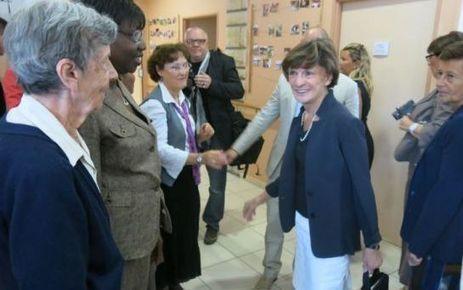 Alzheimer : la ministre salue la résidence modèle - Le Parisien | Les actus de la maladie d'Alzheimer | Scoop.it