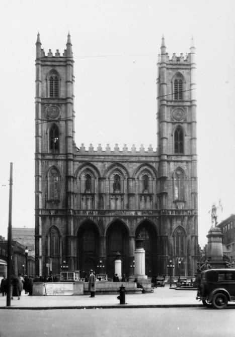 Basilique Notre-Dame (116, rue Notre-Dame Ouest), 8 avril 1936   Photos ancestrales de Montréal   Scoop.it