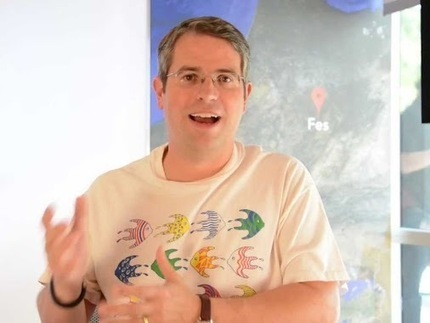 Video: Matt Cutts On Should webmasters focus on more than just ranking in search results | Search Engine Friendly Webdesign Tips For Your Website | Scoop.it
