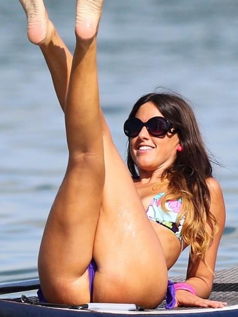Claudia Romani showing off her ass in bikini   Famous Naked Celebrities   Cenesi Dusuk Dilsiz   Scoop.it