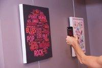 Des tableaux high-tech dépoussièrent les campagnes de communication   QRdressCode   Scoop.it