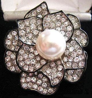 "Vintage Fashion Brooch Pin Clear Ice Rhinestones Pave Set Silver Metal Black Enamel Faux Pearl 2"" | vintage jewelry | Scoop.it"