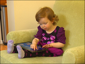Hand over the iPad: Seattle doctor says babies should use tablets - KOMO News | Moms & Parenting | Scoop.it