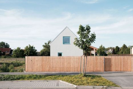 A small home in Slovakia based on rural folk houses | JRKVC | Energies pour la transition | Scoop.it