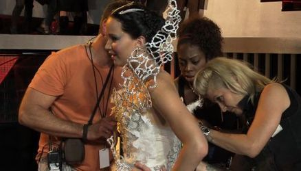 VIDEO: The inspiration for the Katniss Wedding Dress | Hunger games | Scoop.it